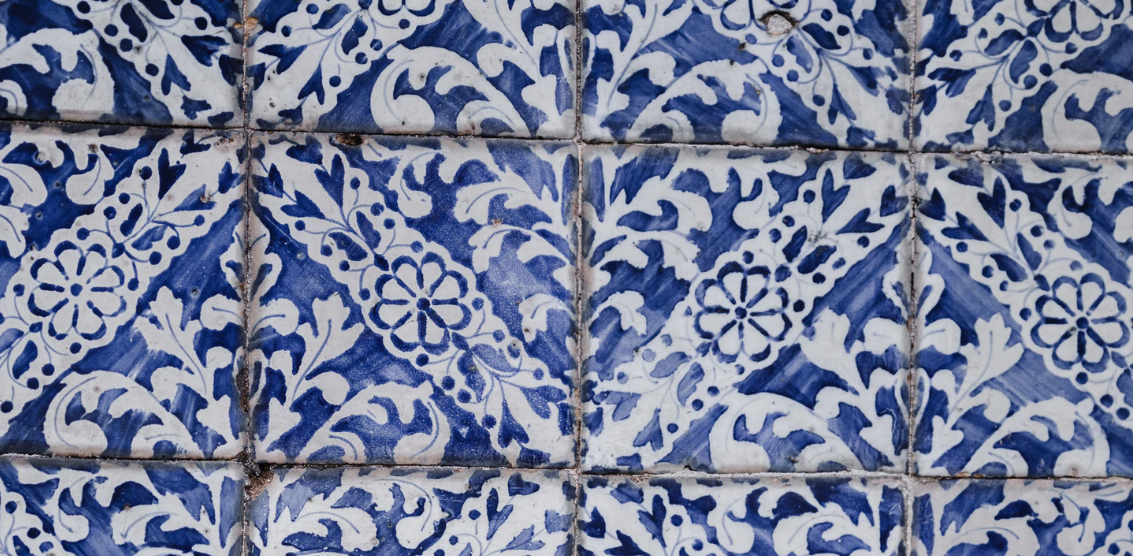 Tiles of blue and white patterns