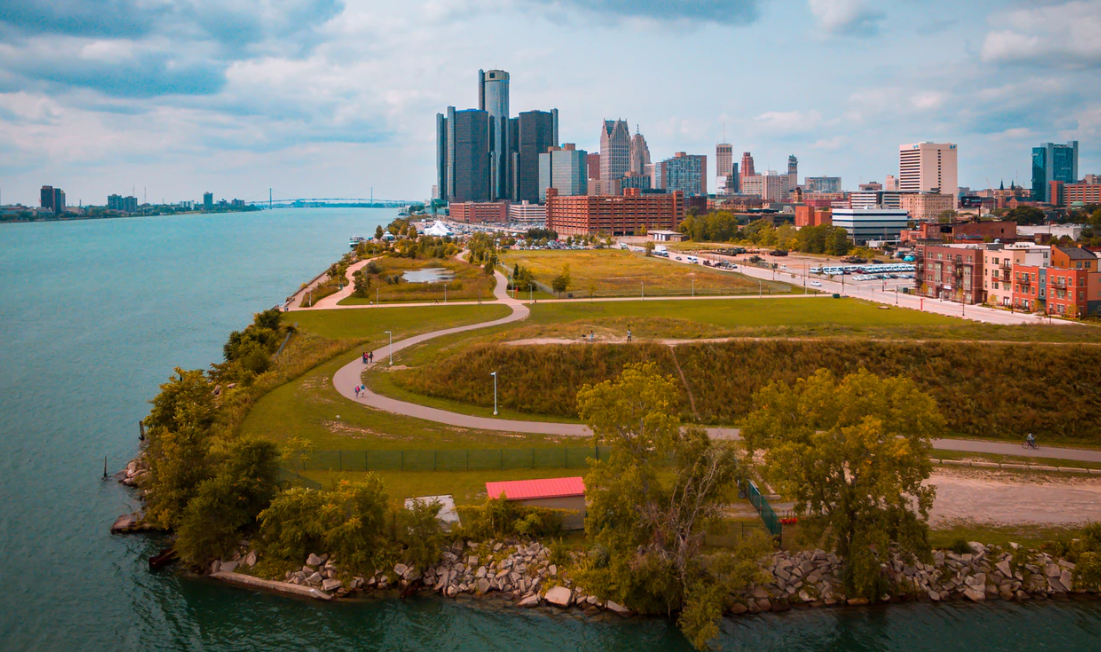 Detroit Michigan waterside city view