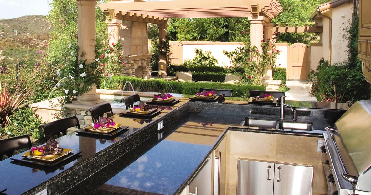 Mediterranean themed outdoor bbq
