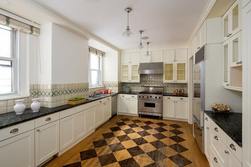 Celebrity Debra Messing's Kitchen
