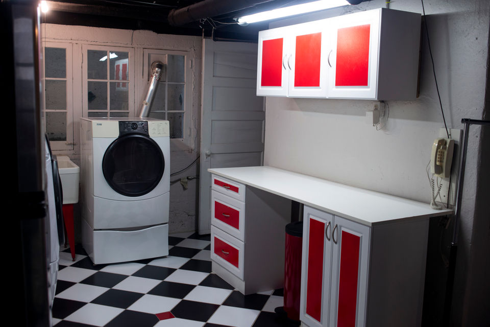 Jack White's former house for sale - bathroom